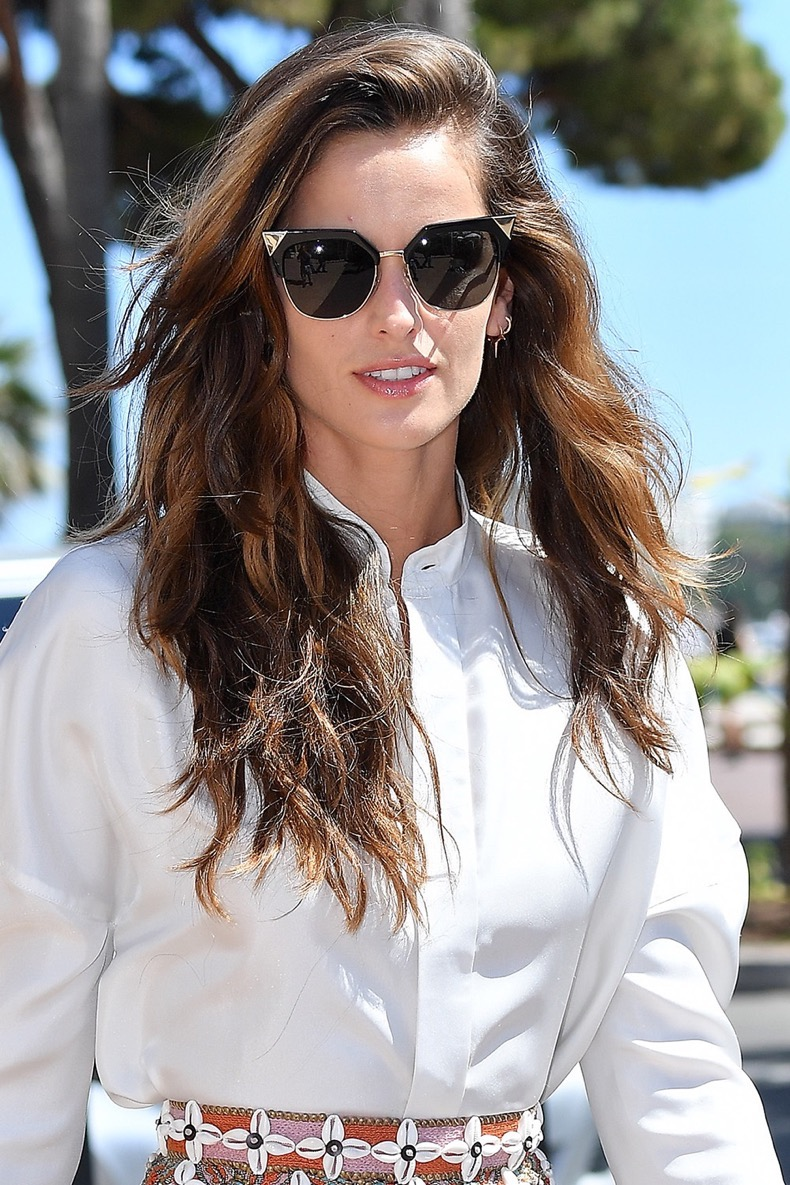 CANNES, FRANCE - MAY 20: Izabel Goulart is seen during the annual 69th Cannes Film Festival at on May 20, 2016 in Cannes, France. (Photo by Jacopo Raule/GC Images)