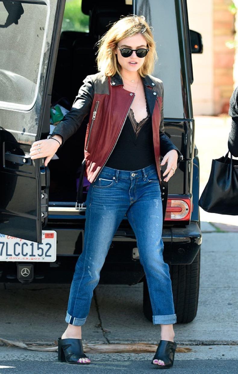 look-street-style-com-bodysuit-e-calca-lucy-hale