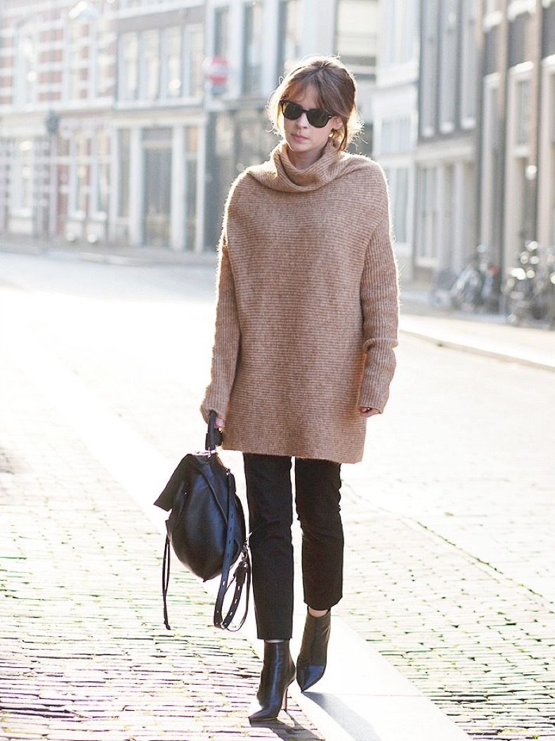 oversized-turtleneck-sweater-cropped-pants-chelsea-boots-backpack-casual-winter-via-fash-n-chips-via-www1