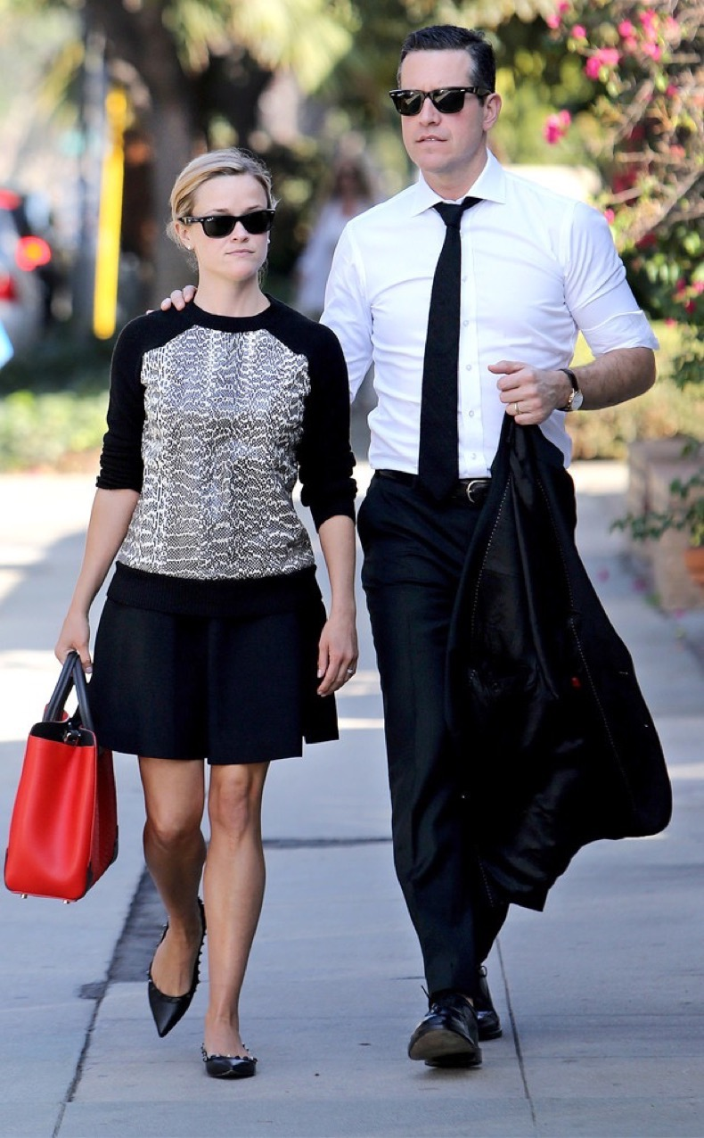 rs_634x1024-131021163306-634.Reese-Witherspoon-Jim-Toth-LA-jmd-102113_copy