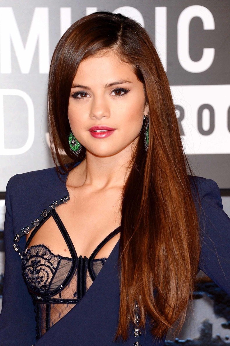 selena-gomez-hair-gettyimages-177658509_master_1
