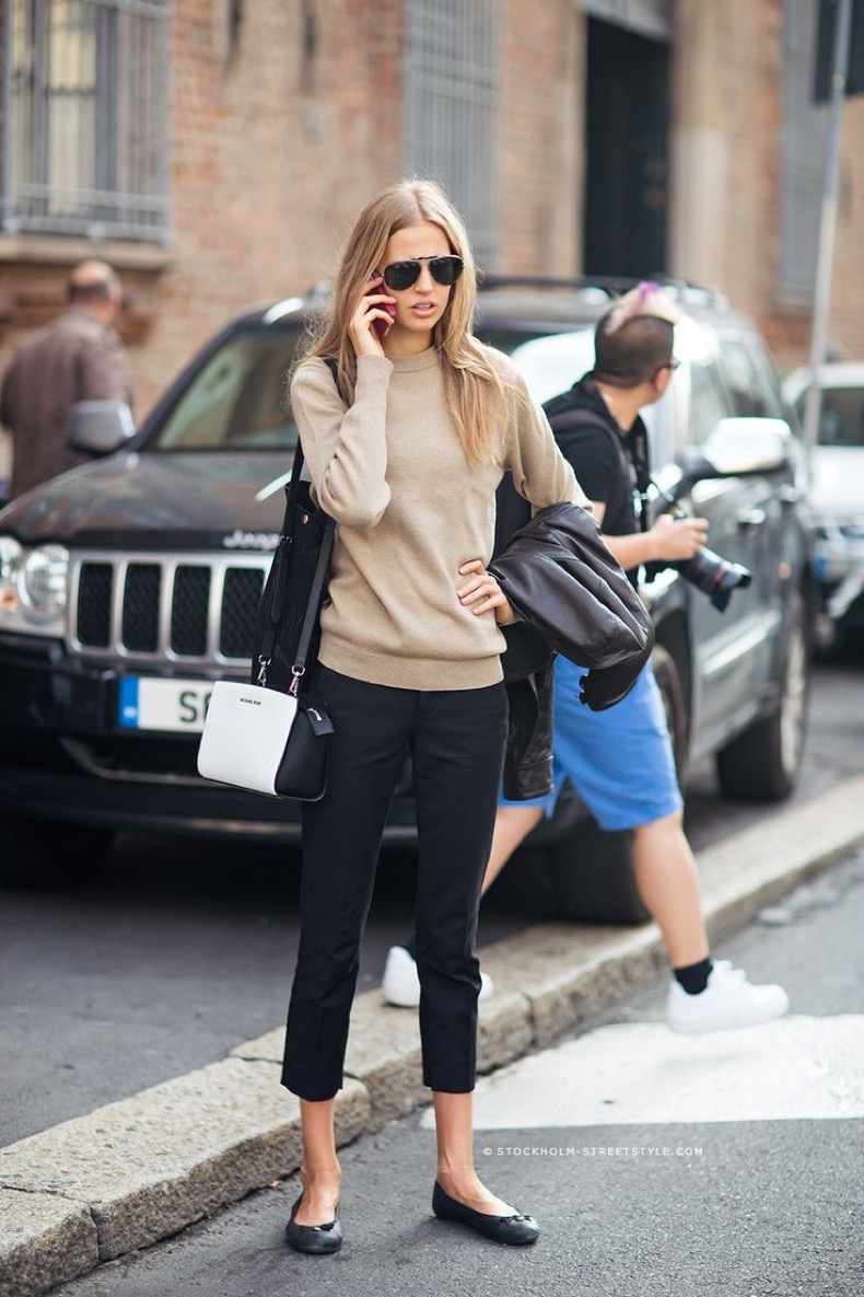 simple-outfit-with-cropped-pants