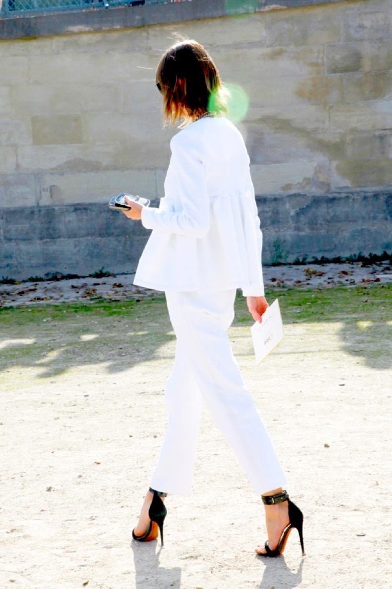 strappy-minimalist-sandals-streetstyle