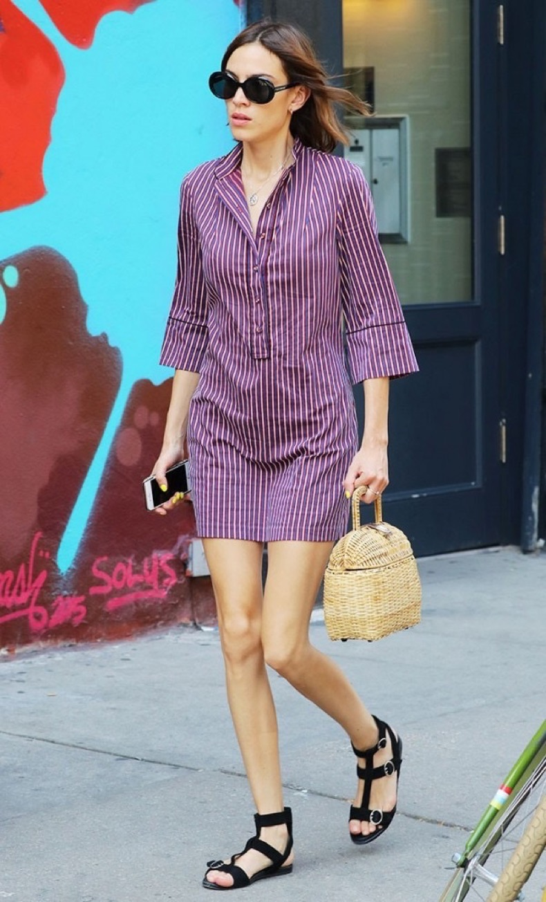 these-celebrity-outfits-will-never-go-out-of-style-1878981-1471984842.600x0c