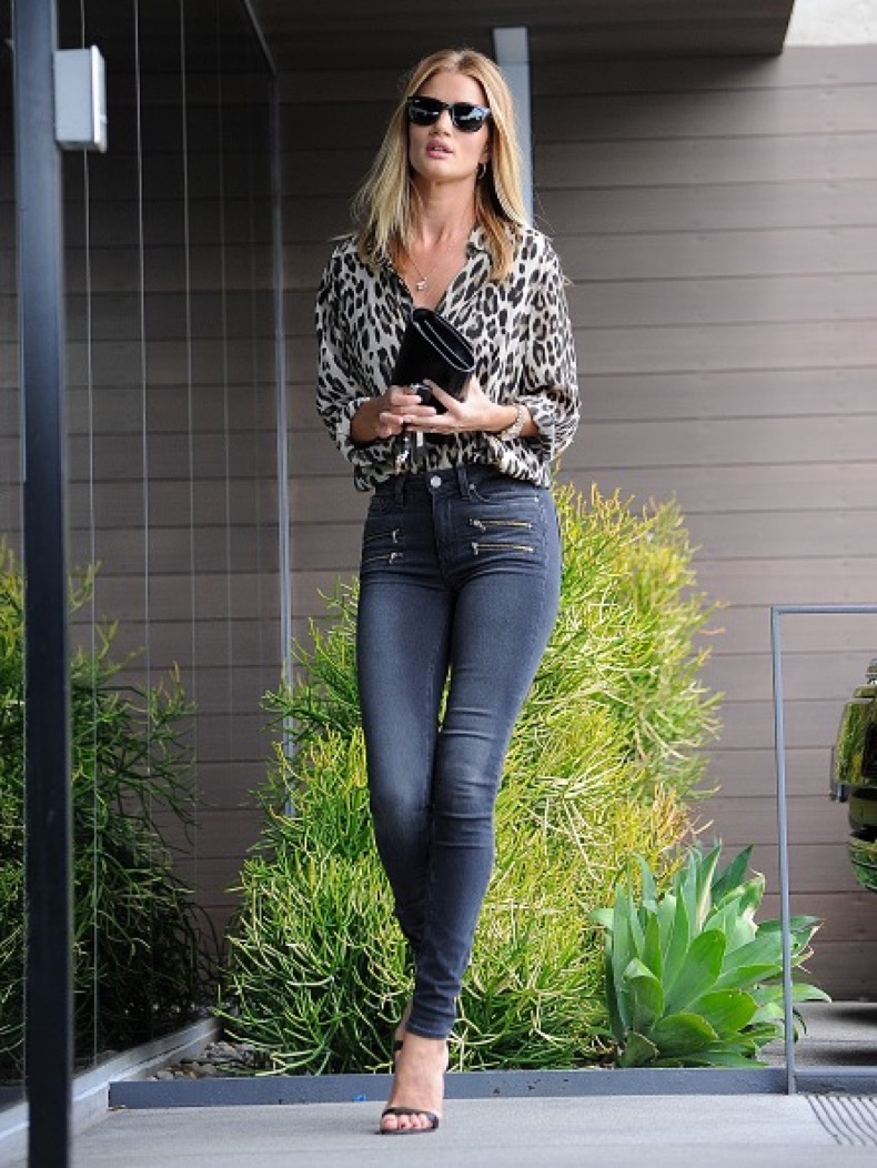 LOS ANGELES, CA - JUNE 27: Rosie Huntington-Whiteley is seen on June 27, 2016 in Los Angeles, California.  (Photo by BG005/Bauer-Griffin/GC Images)