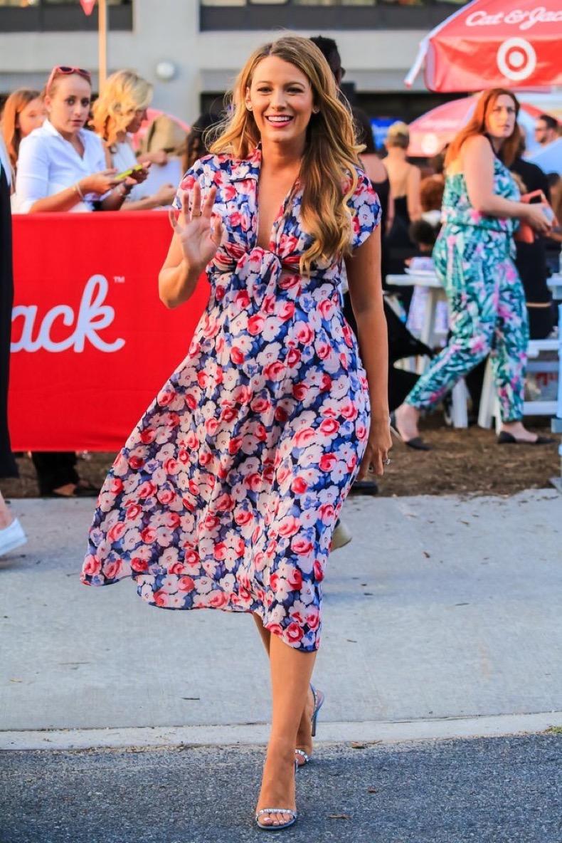 blake-wearing-her-dress-heels