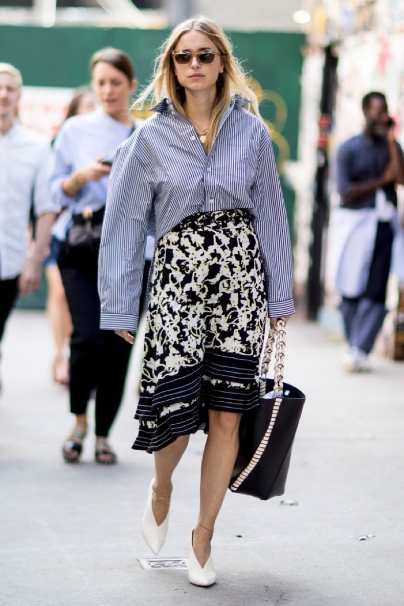 contrast-prints-tucking-yours-skirt-like-blogger-pernille-teisbaek
