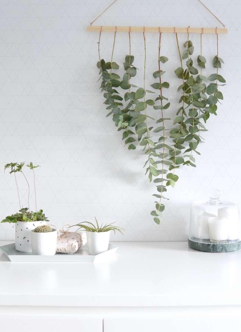 DIY-eucalyptus-hanger-for-Christmas-3