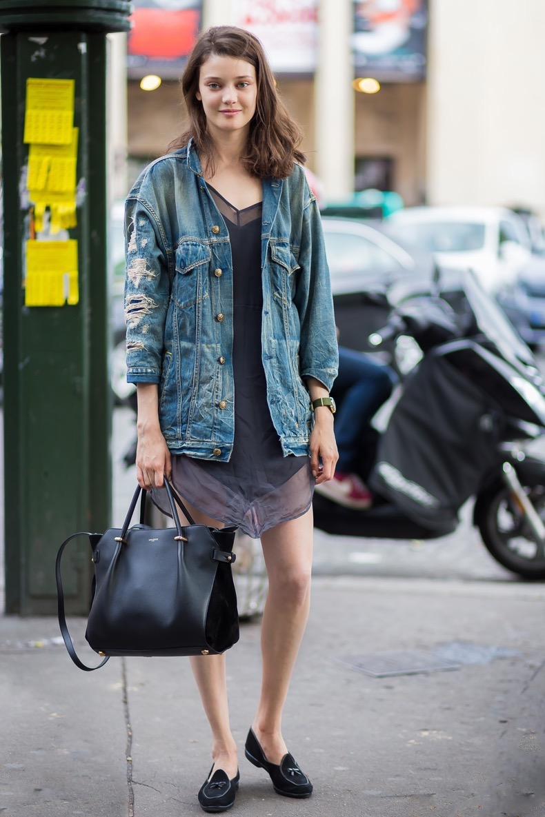 diana-moldovan-slip-dress-by-styledumonde-street-style-fashion-blog_mg_55201-700x10502x1