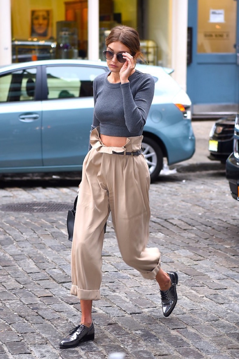 Gigi-Hadid-Picks-Wide-High-Waisted-Pants