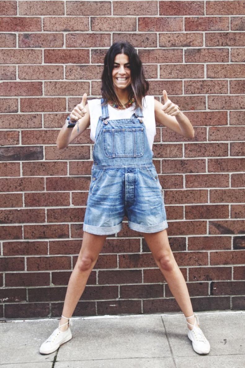 how-to-wear-denim-overalls-9