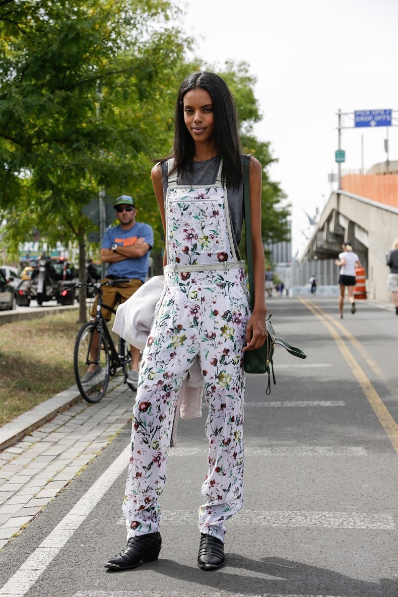 how-to-wear-overalls-08