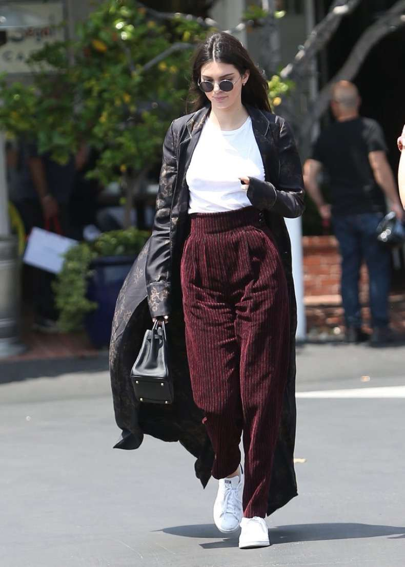 kendall-jenner-wearing-stan-smith-sneakers