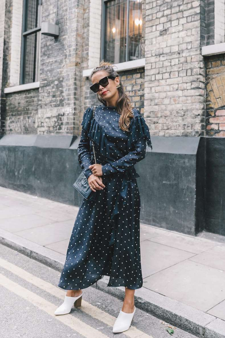 lfw-london_fashion_week_ss17-street_style-outfits-collage_vintage-vintage-topshop_unique-polka_dot_dress-white_mules-topshop_boutique-adenorah-42-1600x2400