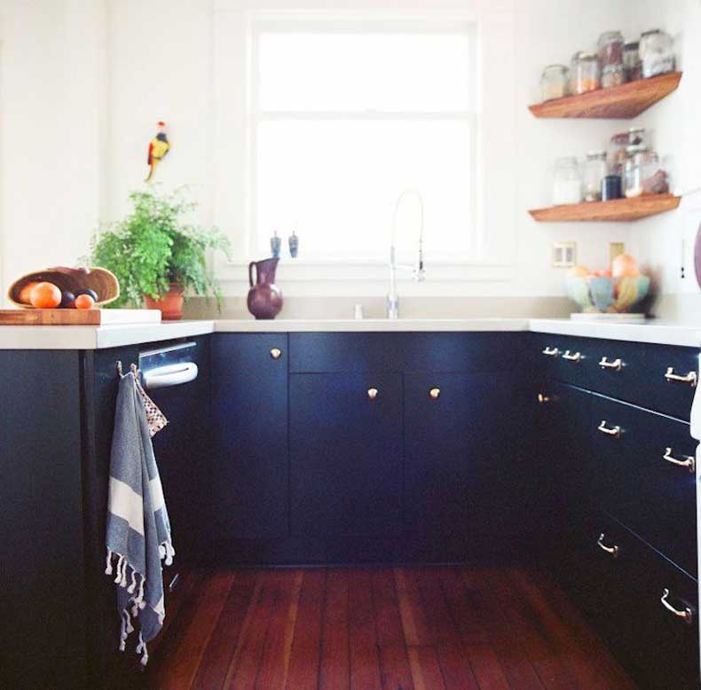 u-shape-kitchen-navy-cabinets-remodelista-cococozy