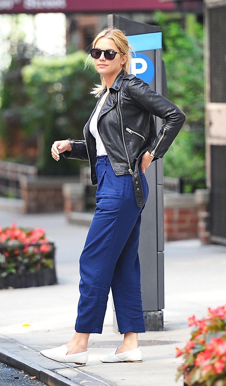 ashley-benson-casual-style-out-in-nyc-july-2015_2