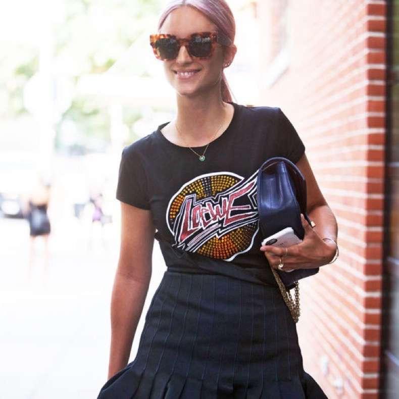 nyfw-street-style-graphic-tee-skirt-charlotte-600x600