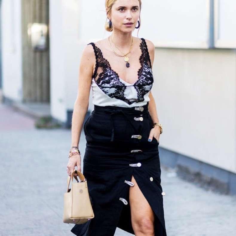 nyfw-street-style-lace-pernille-teisbaek-600x600