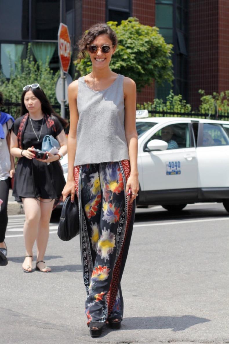 printed-breezy-pajama-pants-wide-leg-pants-grey-tee-platform-sandals-silk-pants-floral-watercolor-florals-via-getty-summer-pool-party-outfit1-640x960