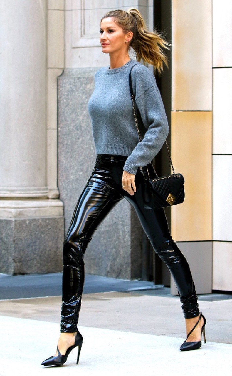 rs_634x1024-160427172859-634-gisele-bundchen-leather-pants-nyc-ms-042716