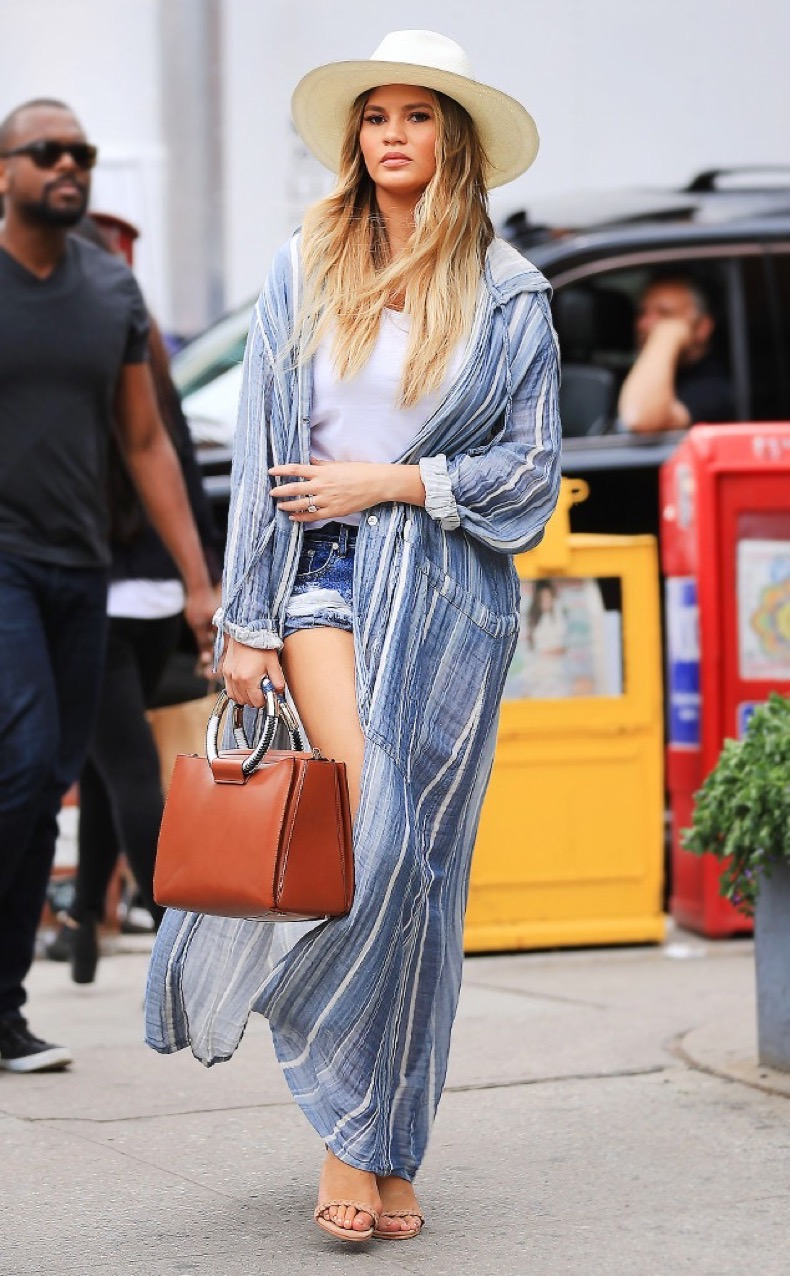 rs_634x1024-160523162735-634-chrissy-teigen-duster-summer-coat