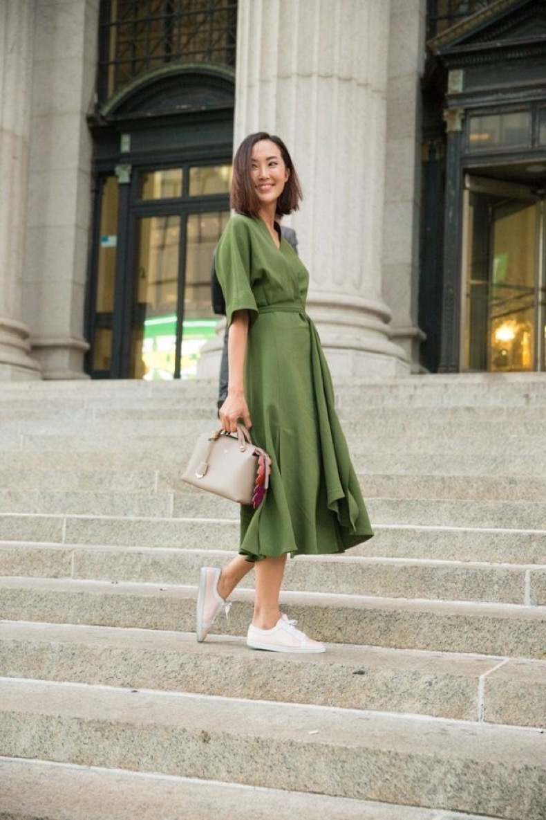 summer-work-outfit-army-green-dresses-and-sneakers-ps-640x960