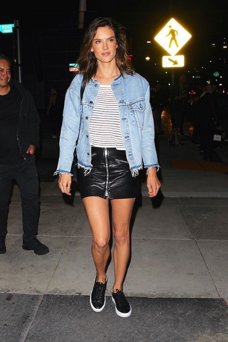 the-cool-new-way-to-style-your-sneakers-like-alessandra-ambrosio-1803903-1465827727-640x0c
