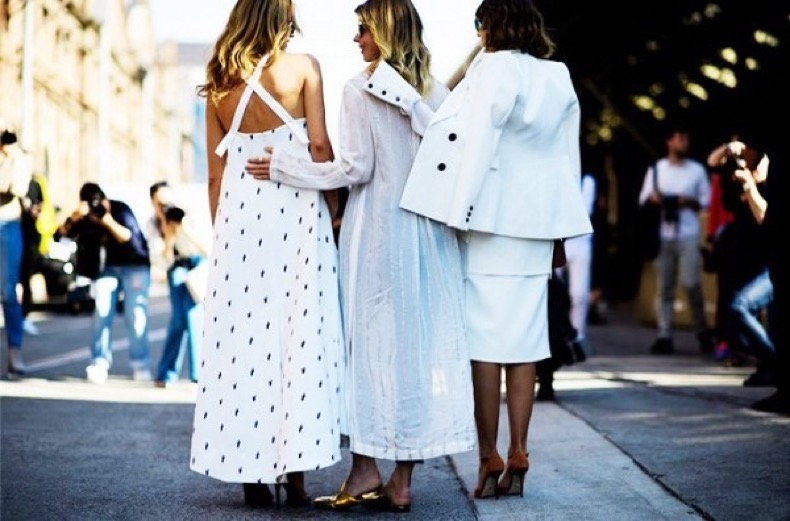 the-gorgeous-street-style-images-that-left-us-speechless-1887320-1472599848.600x0c