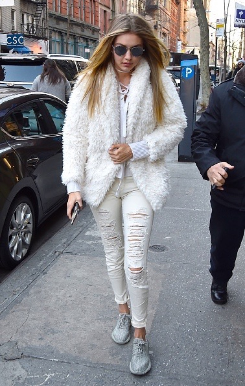 NEW YORK, NY - JANUARY 06: Gigi Hadid is seen in the East Village on January 6, 2016 in New York City. (Photo by Alo Ceballos/GC Images)