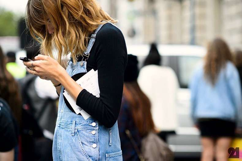 le-fashion-blog-london-street-style-veronika-heilbrunner-wavy-hair-denim-jean-overalls-via-adam-katz-sinding-le-21eme
