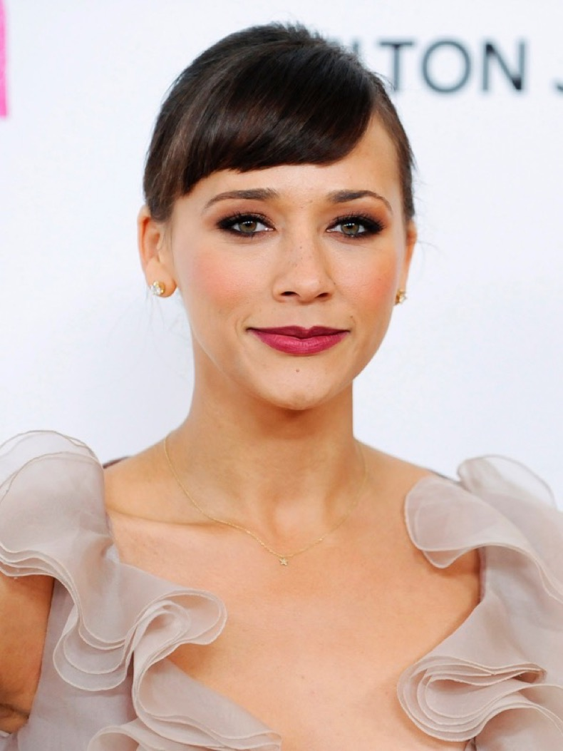 Actress Rashida Jones arrives at the 19th Annual Elton John AIDS Foundation Academy Award Viewing Party in West Hollywood, California February 27, 2011.  REUTERS/Gus Ruelas (UNITED STATES - Tags: ENTERTAINMENT) (OSCARS-PARTY) FILM-OSCARS/