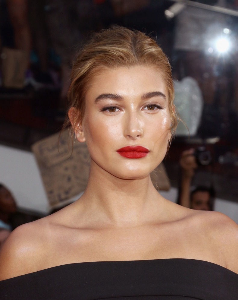 beauty-2016-01-hailey-baldwin-red-lipstick-dewy-skin-main