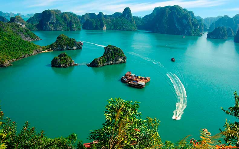ha-long-bay-vietnam