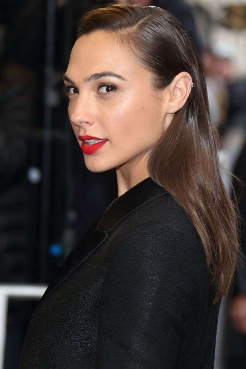 hbz-summer-hair-color-gal-gadot-gettyimages-519639110