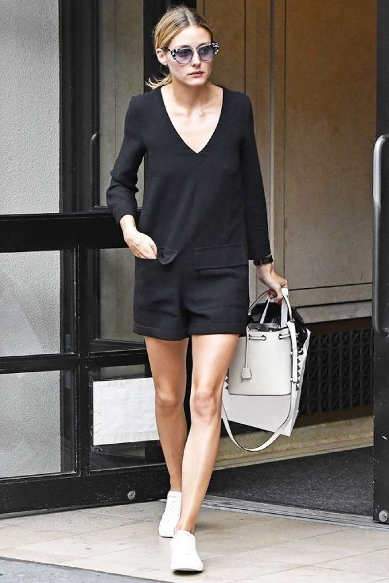 olivia-palermo-has-been-carrying-these-bags-everywhere-1906560-1474057176-600x0c