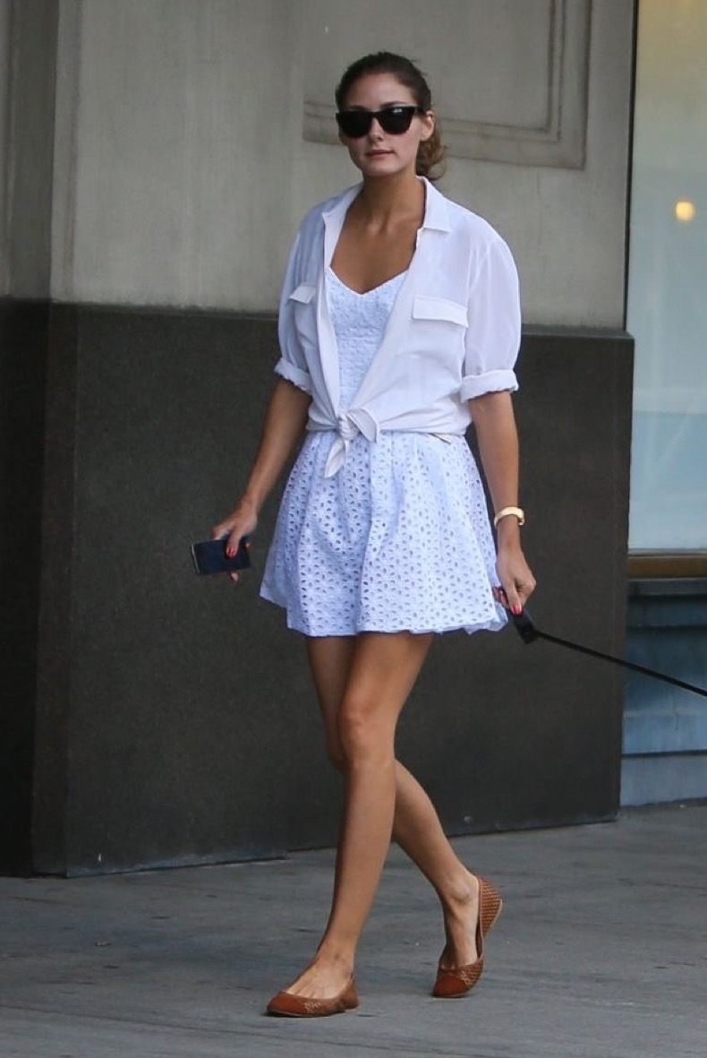 olivia-palermo-summer-outfit-white-eyelet-sun-dress-knotted-shirt-style-hack-summer-sunglasses-dog-via-listal-com_