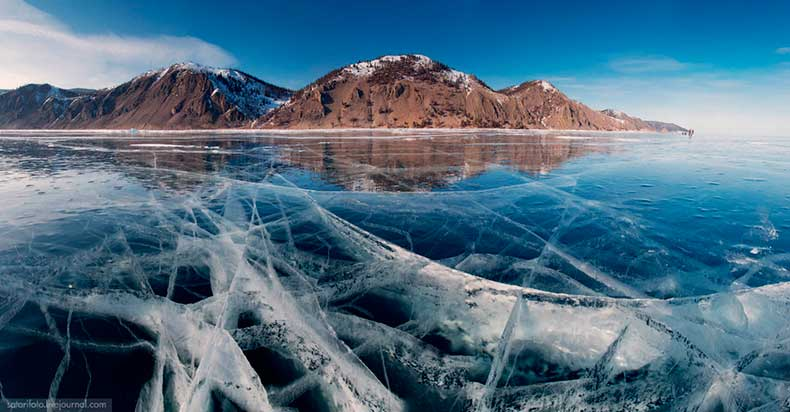 turquoise-ice-lake-baikal