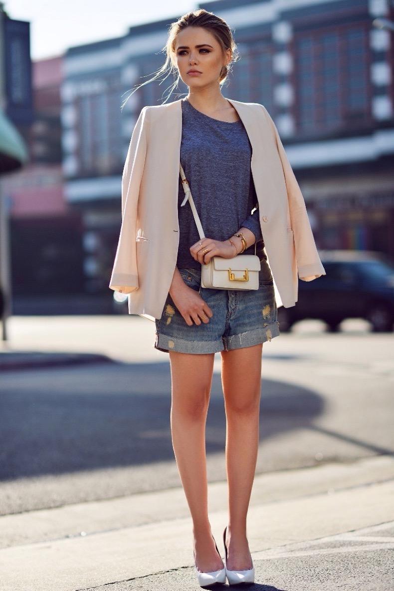 1-blazer-with-tee-and-boyfriend-denim-shorts
