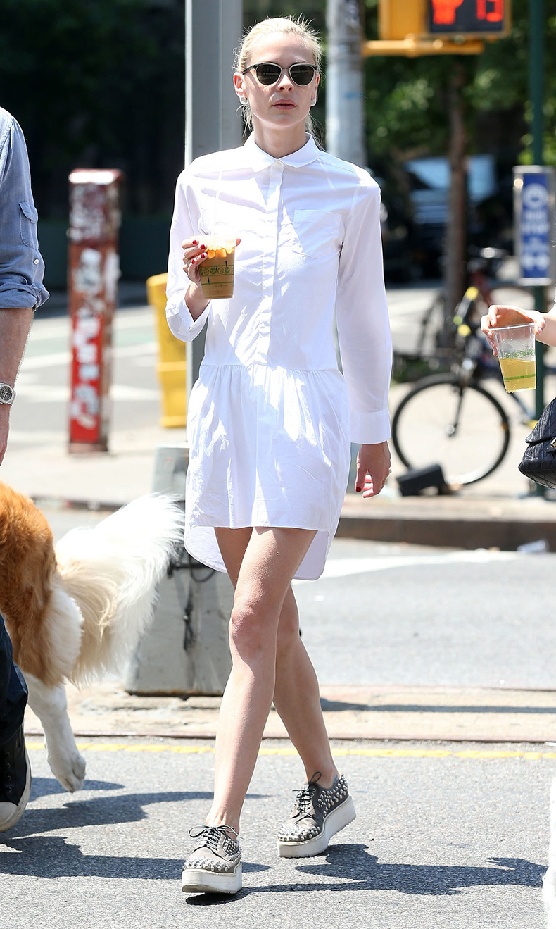 15-street-style-looks-that-will-urge-you-to-wear-a-shirtdress-7