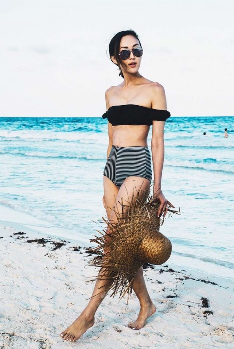 9-things-every-fashion-blogger-brings-on-vacation-1859275-1470347998-640x0c