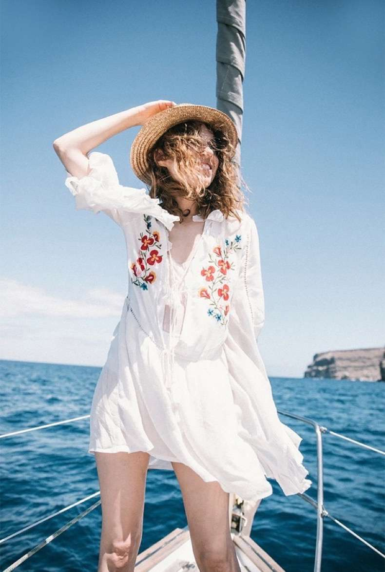 9-things-every-fashion-blogger-brings-on-vacation-1859281-1470347999-640x0c