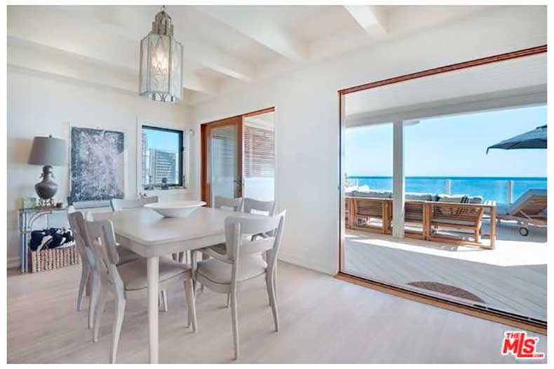 leonardo-dicaprio-sells-malibu-house-big-profit-4