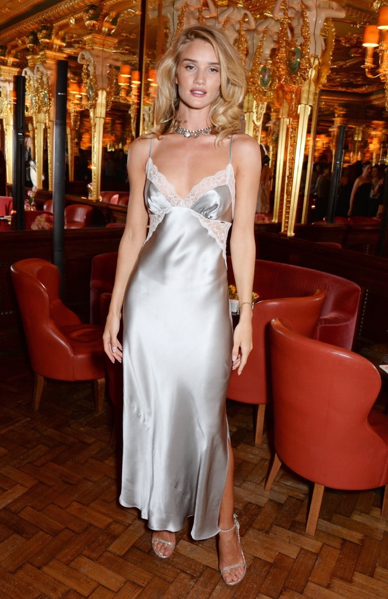 rosie-huntington-whiteley-started-trend-when-she-wore