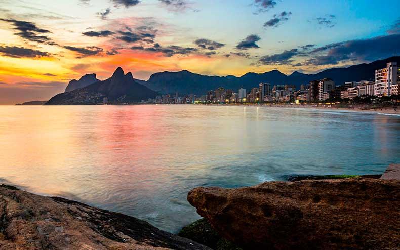 arpoador-rio-de-janeiro-brazil-wrldsnst1122
