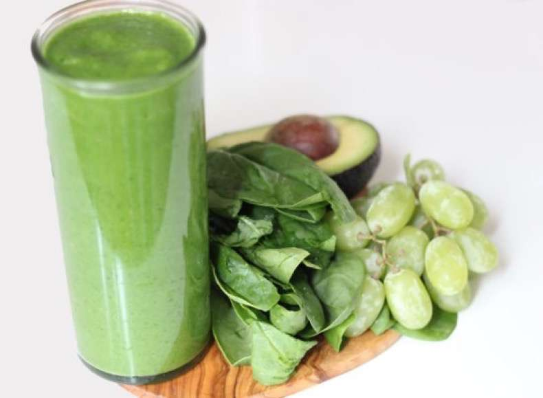 c0406c441acb339e_sweet-spinach-smoothie