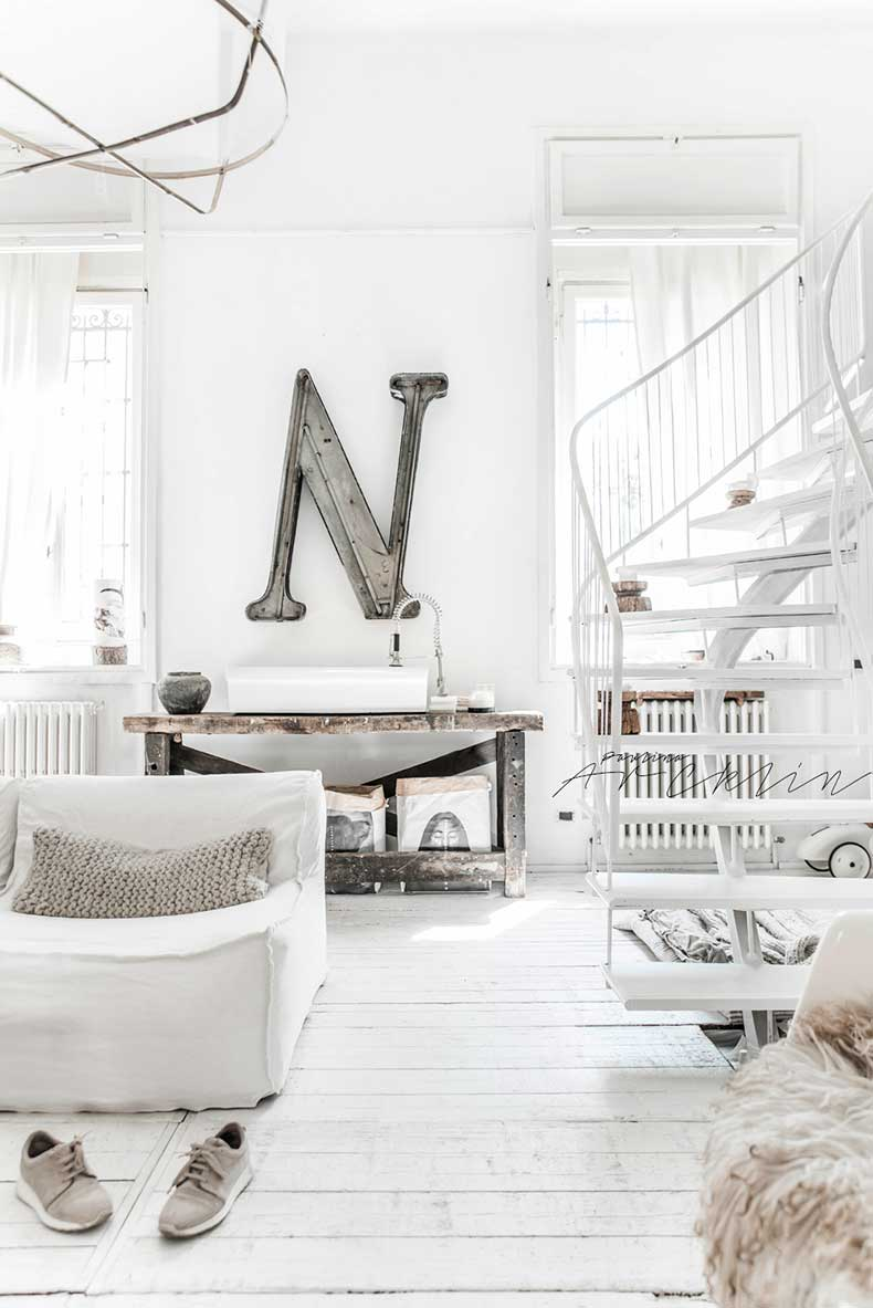 cottage-meets-industrial-milan-apartment3