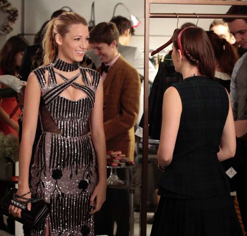 "GOSSIP GIRL-- ""Save the Last Chance""-- mage GO607A_0020 Pictured (L-R): Blake Lively as Serena Van Der Woodsen and Leighton Meester as Blair Waldorf - Photo: Giovanni Rufino/The CW -- © 2012 The CW Network. All Rights Reserved."