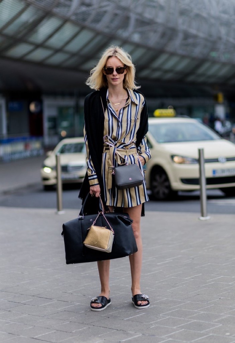 easiest-travel-shoe-accompany-printed-shirtdress