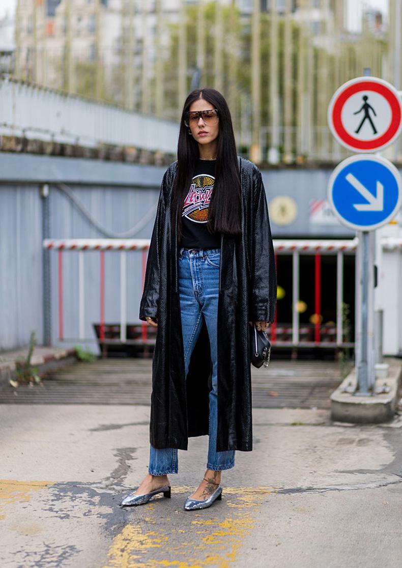 gilda-ambrosio-loewe-graphic-tee-street-style-outfit