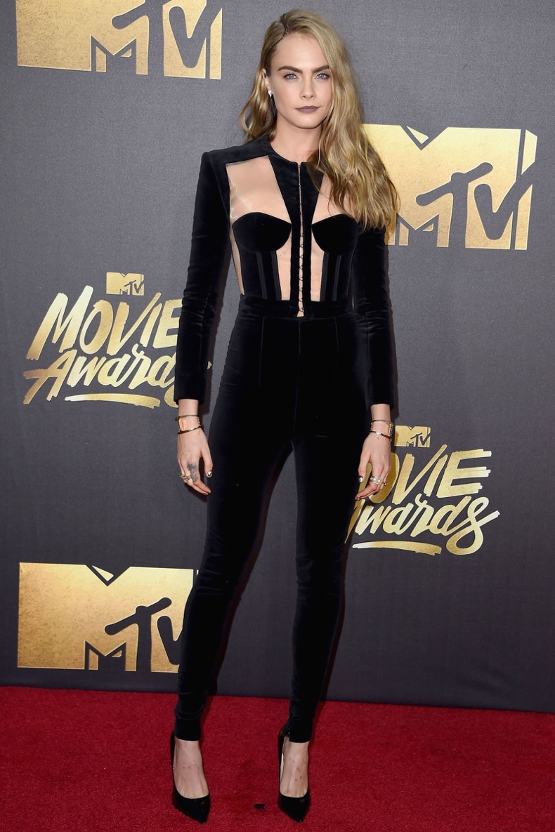 hbz-best-red-carpet-looks-of-the-year-cara-delevingne